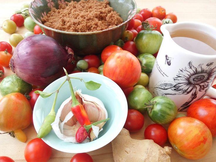 making tomato chutmey