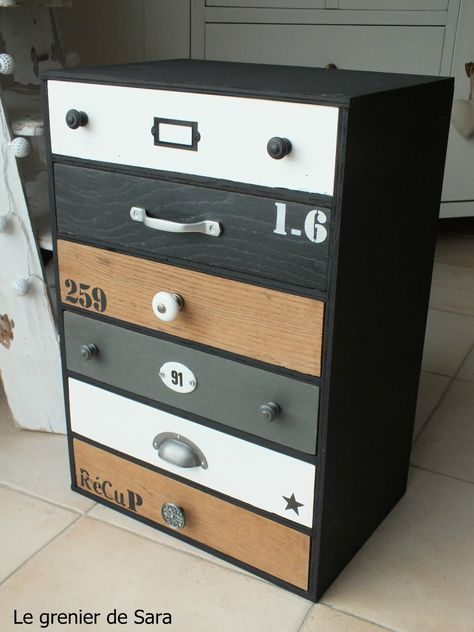 28 best meuble peint images on Pinterest Armoires, Closets and Old