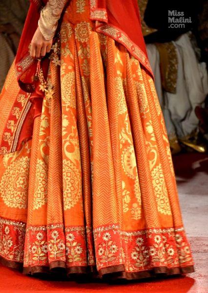 Anju Modi lengha- at Delhi Couture Week 2013