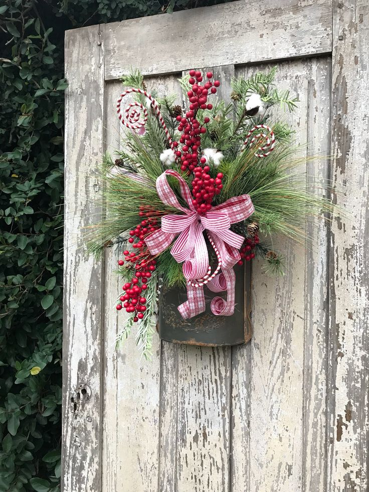 Christmas Farmhouse Wreath, Candy Christmas Wreath, Farmhouse Christmas Wreath, Christmas Wreath with candy, Candy cane Wreath, Candy swag by Keleas on Etsy https://www.etsy.com/listing/559000832/christmas-farmhouse-wreath-candy