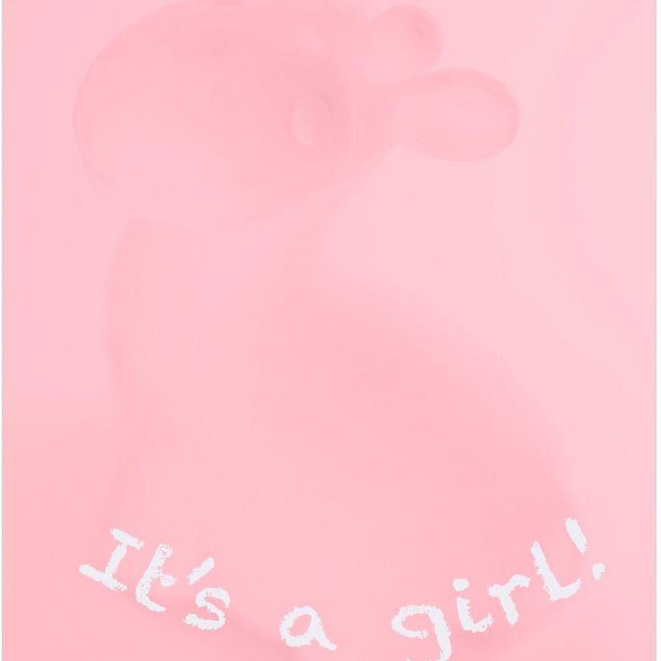 Wenskaart met roze giraffe voor de geboorte van een meisje.