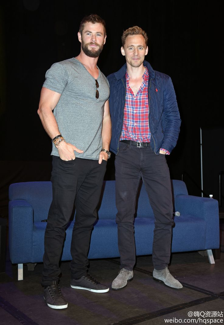 Tom Hiddleston and Chris Hemsworth @ Wizard World at the Philadelphia Convention Center 4.6.2016 From http://tw.weibo.com/2150852464/3982966521040303