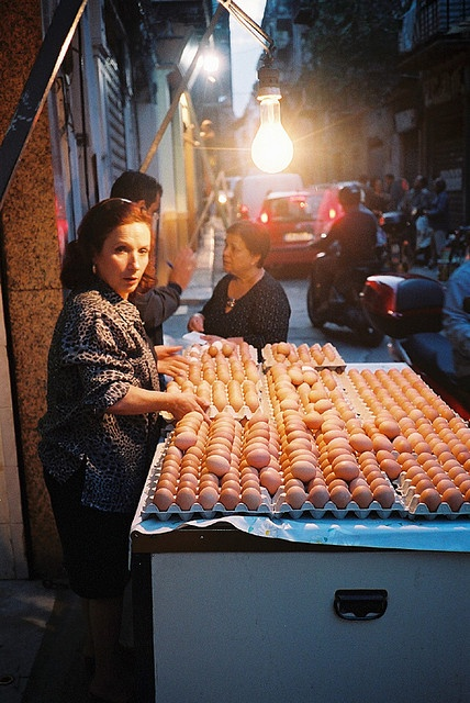 """Ballarò"" market of Palermo - Sicily - Italy.  Mrs. Lia , selling fresh eggs. #food #italianfood #market #fresh #healt"