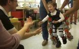 Un exoesqueleto para niños con atrofia muscular espinal [VIDEO]