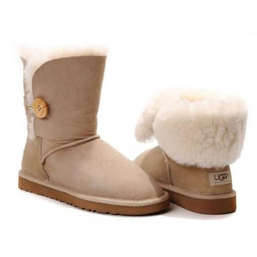 Buy UGG Women's Classic Short and other Mid-Calf at datingcafeinfohs.cf Our wide selection is eligible for free shipping and free returns.