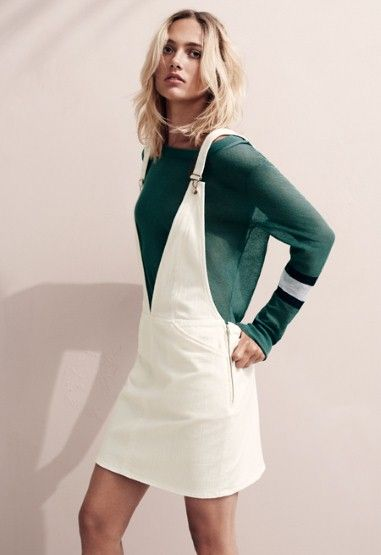 White overall dress, casual and chic, in combination with a green blouse - so lovely!
