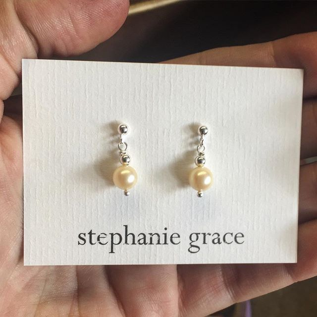 Got to see these on a stunning bride yesterday. I love being able to create beautiful, heartfelt and meaningful pieces like this that add detail and depth to such a special day ❤️ blessed to be doing what I do #lovewhatyoudo #handmade #jewellery #nz #sterlingsilver #pearls #delicate #stunning #bridal #wedding #loveisintheair