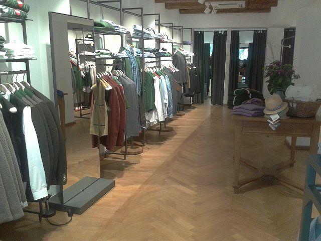 38 - Gössl Shop Landshut - Eichenparkett geölt