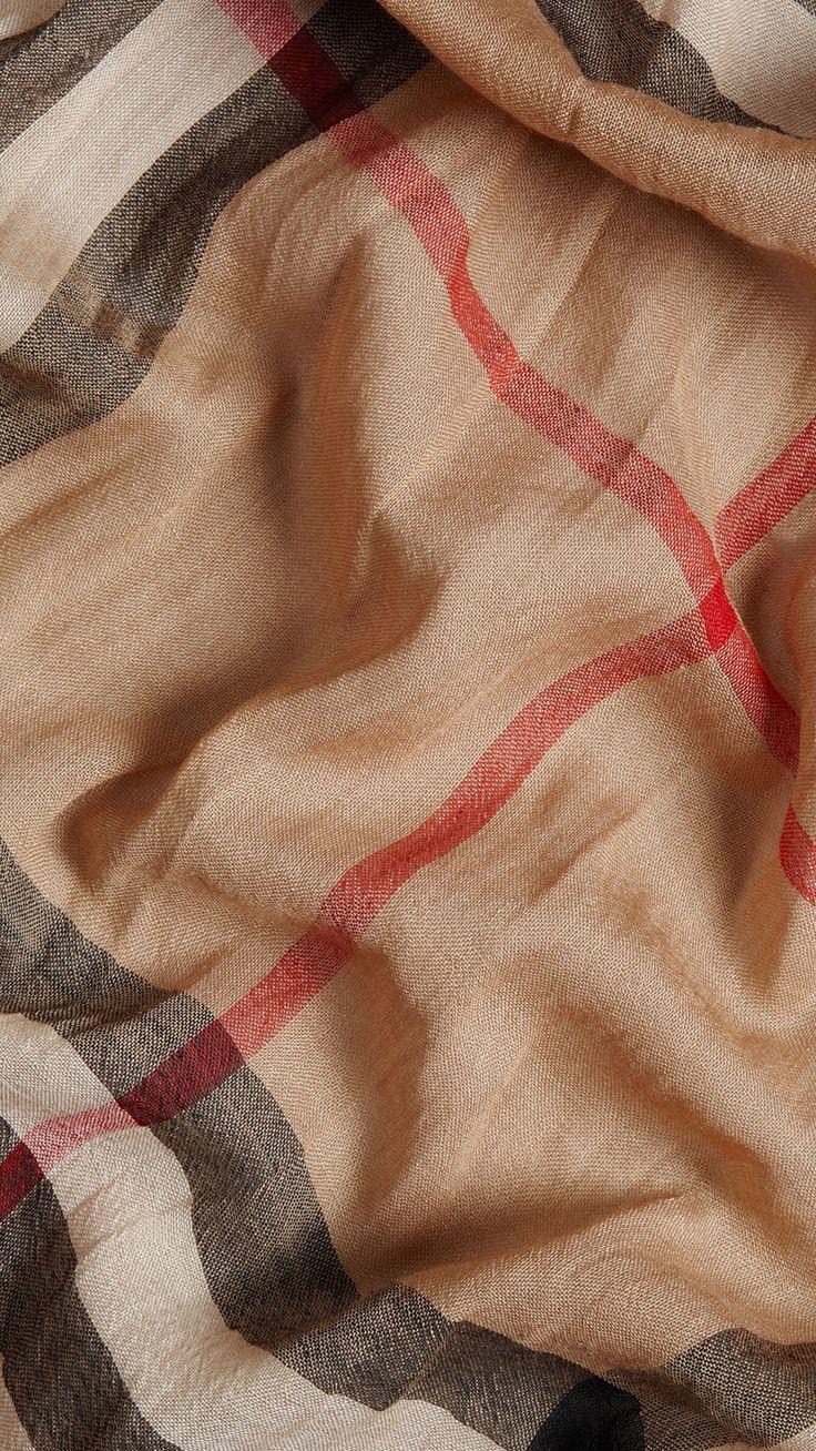 Foulard léger en laine et soie à motif check Camel | Burberry