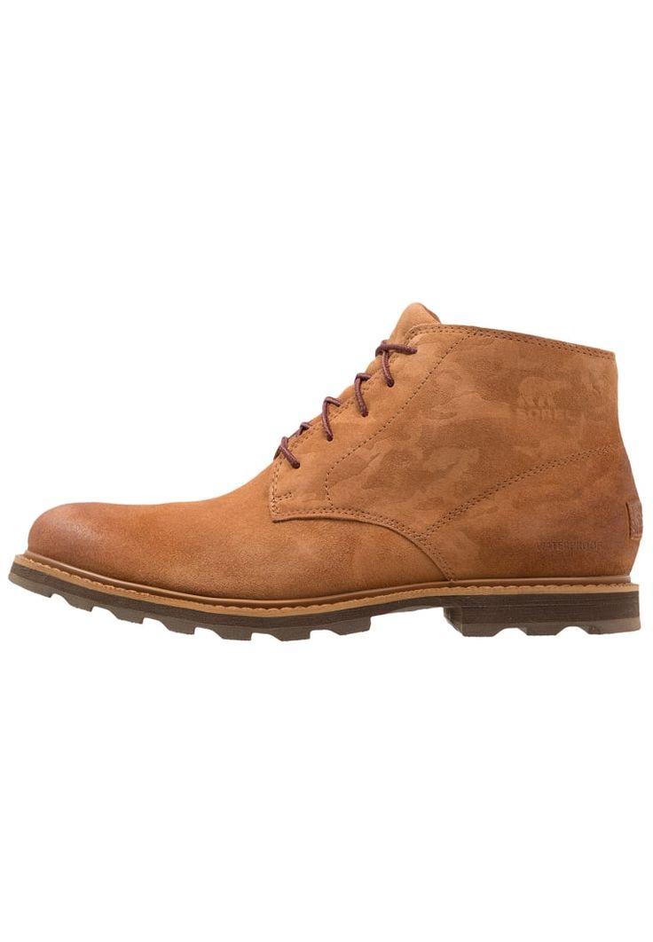 ¡Consigue este tipo de botas con cordones de Sorel ahora! Haz clic para ver los detalles. Envíos gratis a toda España. Sorel MADSON CHUKKA WATERPROOF CAMO Botines con cordones braun: Sorel MADSON CHUKKA WATERPROOF CAMO Botines con cordones braun Zapatos     Material exterior: cuero velour, Material interior: cuero de imitación/tela, Suela: fibra sintética, Plantilla: cuero de imitación   Zapatos ¡Haz tu pedido   y disfruta de gastos de enví-o gratuitos! (botas con cordones, laces, lac...