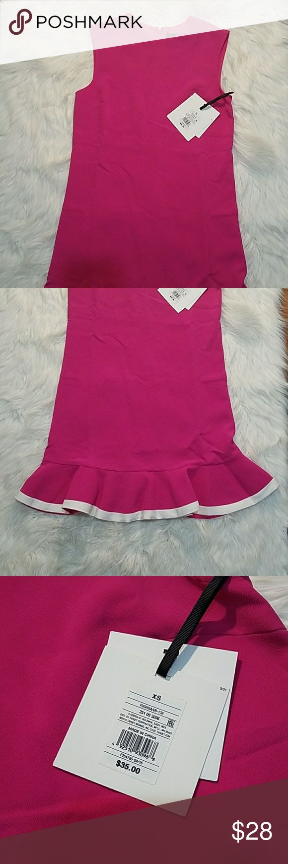 🌹WEEKEND SALE🌹Victoria Beckham Dress Beautiful Pink Victoria Beckham For Target Dress With White Lining At The Hem. Size XS. Shell: 94% Polyester  6% Spandex. Lining: 100% Polyester. Great Dress For Any Occasion! Victoria Beckham for Target Dresses