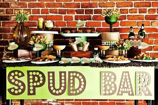 wahh, a potato bar. with all kinds of toppings and such. love this. and love my potatoes.