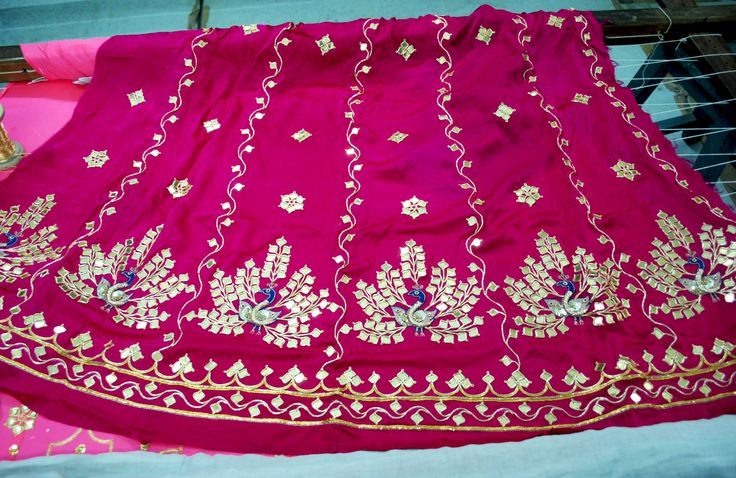 Beautiful Danka embroidery from Udaipur. Earlier gold sheets were used but due to the high cost, artisans are now using silver and other alternatives like light weight alloy.