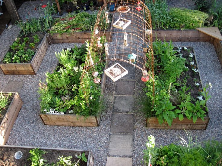 ANYONE CAN MAKE THESE 10 BEAUTIFUL AND USEFUL DIY ACCESSORIES FOR A GARDEN  OUTDOORS 8