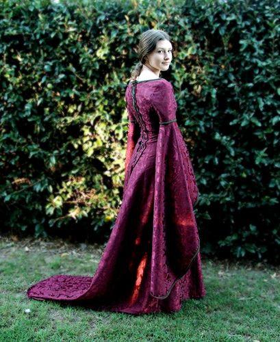 105 Best Images About Renaissance Sewing Patterns On Pinterest: 54 Best Middle Ages (1000-1300) Images On Pinterest