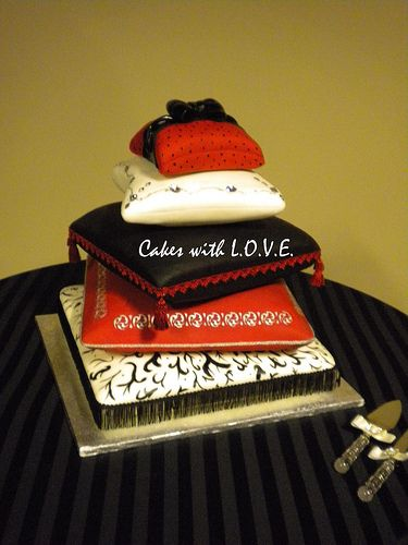 10 Best images about Decorative Pillow Cakes on Pinterest Indian cake, Cakes and Wedding cakes