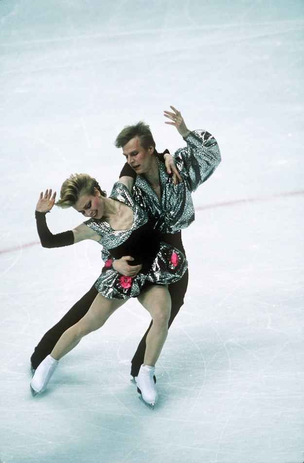 At the 1988 Winter Olympic Games, Natalia Annenko and Guenrikh Sretenski went for metallic ensembles with pops of hot pink.