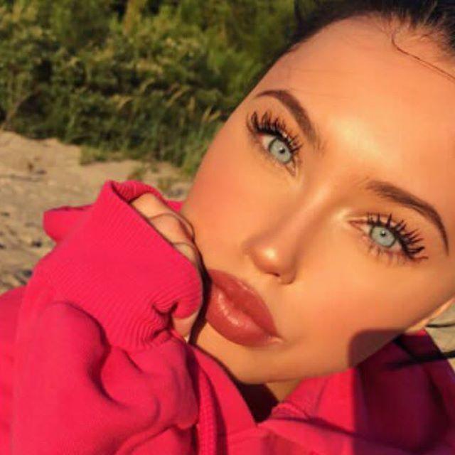 #cute #gorgeous #beauty #москва #brasil #lebanon #eyes #girl #selfie #bomdia #glam #ukraine  #brows #pretty #angelinajolie #arabianbeauty #Russia #classy #elegant #lips #moscow #ootd #naturalbeauty #hijabi #красота #lebanese #iranian #palestinian #dubai #uae Natural Beauty from BEAUT.E