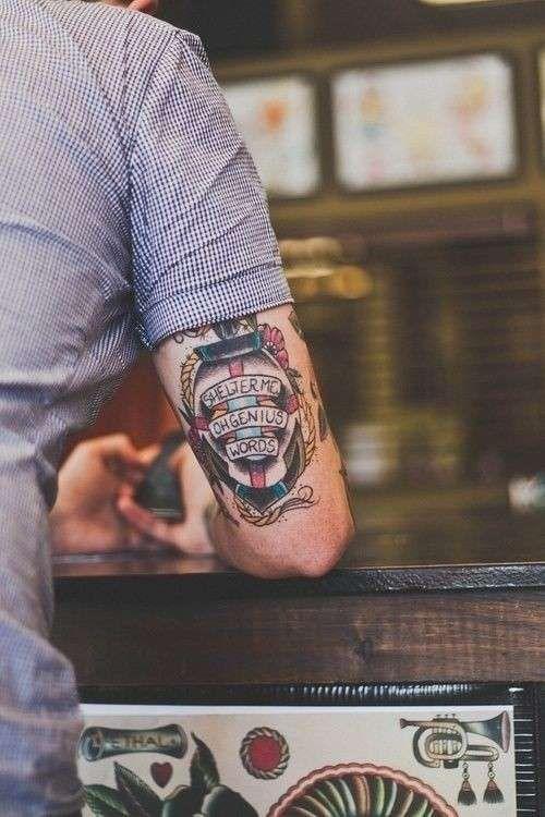 Tatuaggi Con Ancora Per Uomo (Foto)