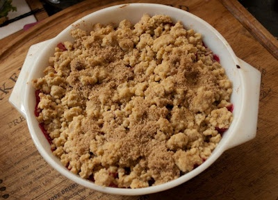 Apple and blackberry crumble!Little Paper, Paper Swan