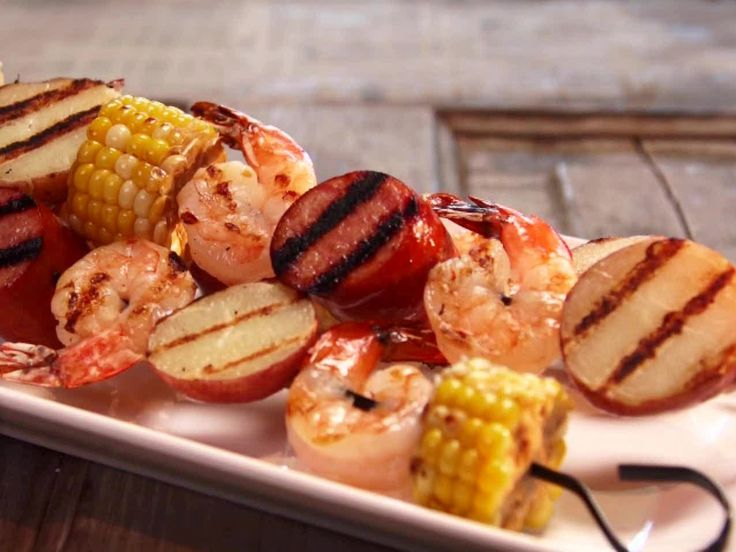 Low Country Boil Skewers from FoodNetwork.com  More manageable version of low-country boil!