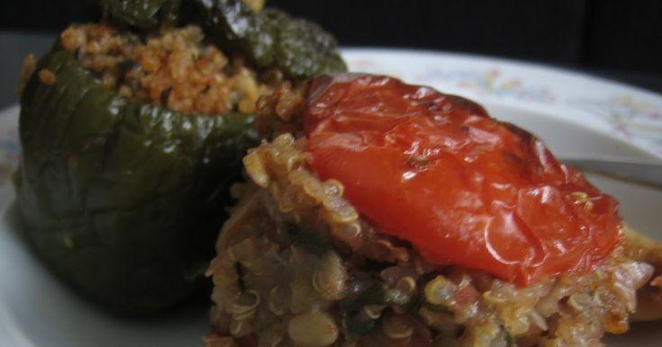 Το φαγητό είναι νοστιμότερο από όσο φαίνεται... Υλικά Τα παρακάτω υλικά είναι για ένα μέτριο ταψί (περίπου 10-12 ντομάτες και πιπεριές). ...