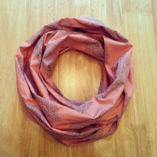 DIY Infinity scarf. Adorable for spring!
