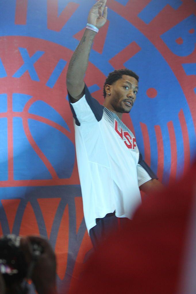 NBA Trade Rumors: Bulls Ship Derrick Rose to Knicks in a Blockbuster Deal - http://www.hofmag.com/bulls-ship-rose-knicks-blockbuster-deal/162332