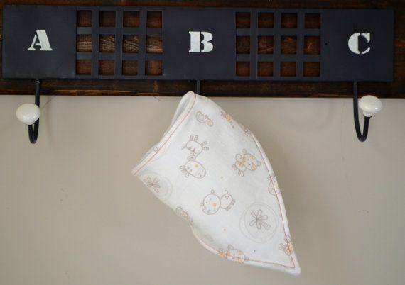 Check out this item in my Etsy shop https://www.etsy.com/listing/481432609/classic-bandana-bib-muslin-safari