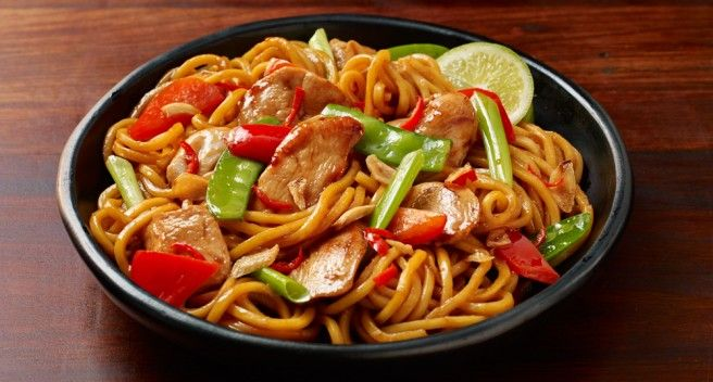 Try this sensational #Chinese Hokkien #Noodle #recipe with chicken stir-fried in a delightful sweet and spicy sauce made of honey, soy and chilli.