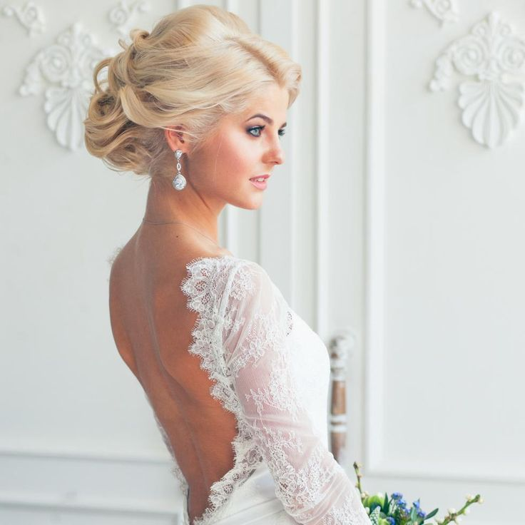 невеста, платья, флористика. Платье: tatimagic wedding bride make-up and hair пучок