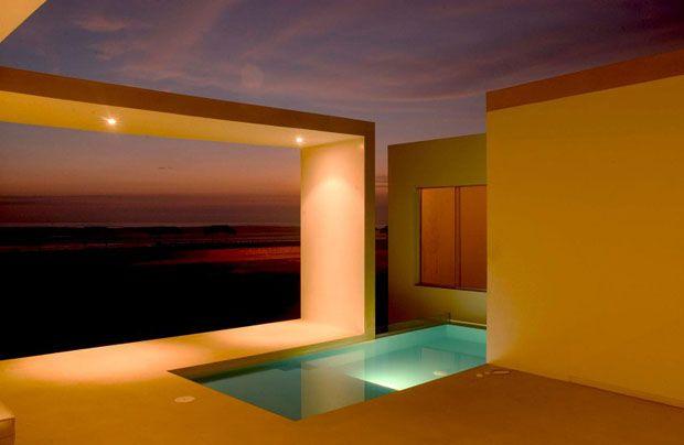 Beach_House_in_Las_Arenas_by_Javier_Artadi_Arquitectos_CubeMe1