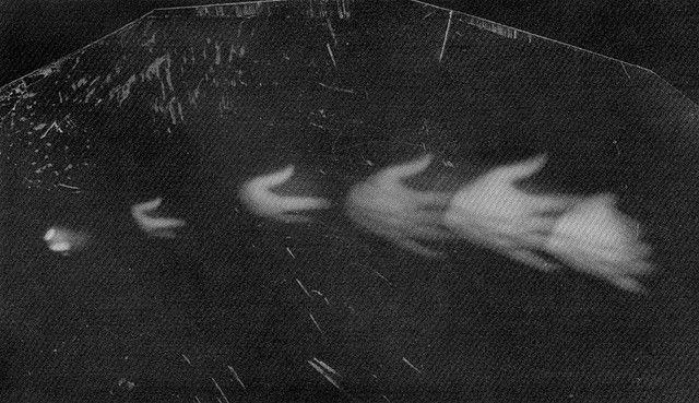 Paolo Gioli, Le Mani di una Cochiglia, 1986    image from shell cam