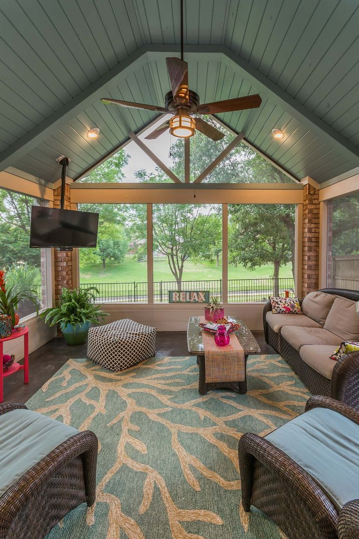38 Amazingly Cozy And Relaxing Screened Porch Design Ideas Funda Soydan Porchpaintideas Screened Porch Designs Porch Design Sunroom Designs