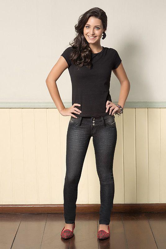 M2A Jeans | Fall Winter 2014 | Teen | Collection | Outono Inverno 2014 | Coleção juvenil | peças | calça jeans feminina; blusa preta feminina; blue; jeans; demin.