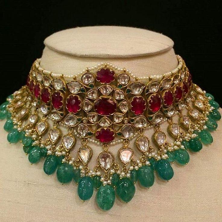 "@gemsjewelspalace posts such wonderful gemstone ""kundan"" jewels!! Marvelous, magnificent, astonishing... #designer #lovegoldlive #colors #finejewelry #lovegold #jewelry #jewellery #love #gold #designerjewelry #necklace #instadaily #kundan #tags4likes #indianjewellery #gemstones #inspiration #follow"