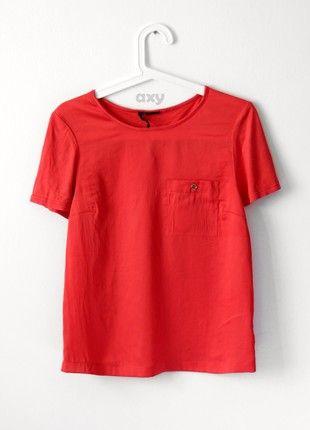 Kup mój przedmiot na #vintedpl http://www.vinted.pl/damska-odziez/bluzki-z-krotkim-rekawem/20762680-czerwona-satynowa-koszulka