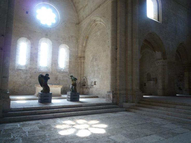 ユーラシア旅行社で行く、フランスツアーでは、プロヴァンスのシトー派修道院、シルヴァカンヌ修道院も訪ねます。