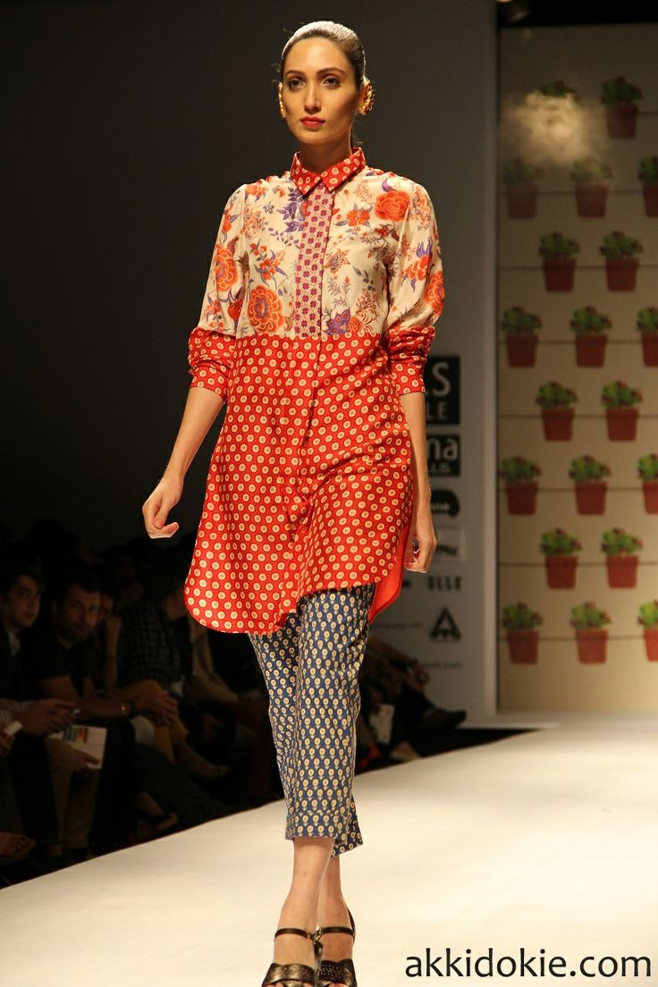 Payal Pratap at Wills Lifestyle India Fashion Week 2014 - AkkiDokie.com