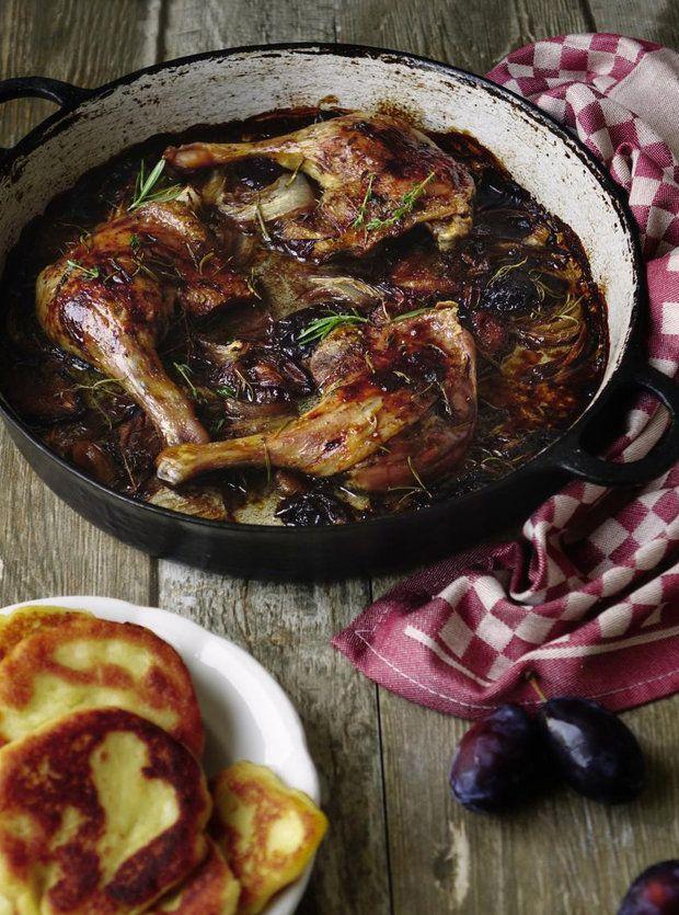 Kachní stehna na švestkách.......... http://fresh.iprima.cz/recepty/kachni-stehna-na-svestkach