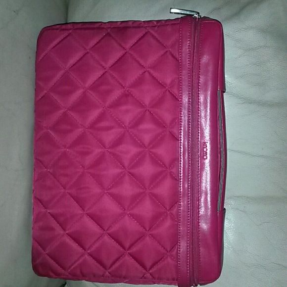 """SALE! Knomo of London 15"""" slim quilted laptop bag Hot pink. Complete with Knomo serial numbered ID tag tracker Knomo Bags Laptop Bags"""