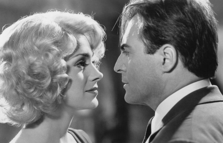 Still Of Sean Young And Armand Assante In Fatal Instinct