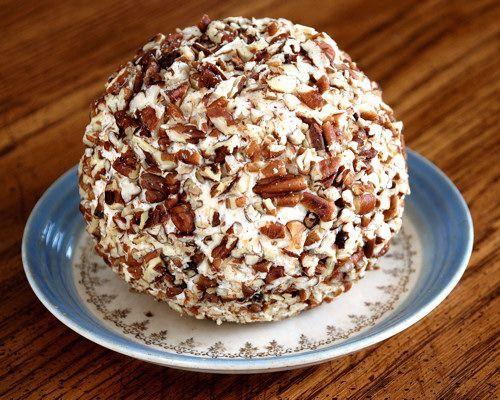 Cheese ball recipe: Homemade Chee, Sour Cream, Cream Cheese, Cheeseball, Favorite Cheese, Pecans, Cheese Ball Recipes, Chee Ball, Cranberries