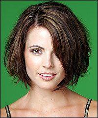 Прическа для волос средней длины - небрежный боб :: Локон - прически, стрижки, укладки