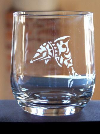 #stencil - Bicchiere decorato con stenella in stile tattoo - @foodbookscrafts