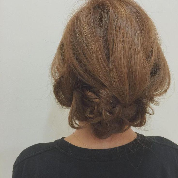 知ってた?「ツインテール」で作るまとめ髪が簡単で崩れず優秀なんです♡ - LOCARI(ロカリ)