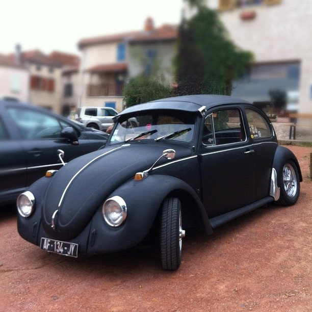 Img together with Bf F F Aa Af Black Beetle Old School moreover Maxresdefault also Maxresdefault furthermore Maxresdefault. on 1972 vw beetle