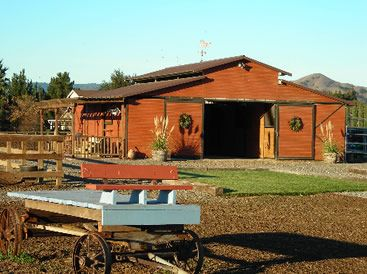 Color Selector also Custom Farm Ranch Pole Barns In Colorado also Blog 58525 custom Built Barndominium On 20 Acres as well 66 X 100 Huge Metal Home With Attached Barn likewise Gallineros De Madera Moviles Y Fijos. on horse pole barn plans