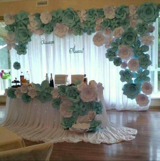 decoracin con flores gigantes de papel