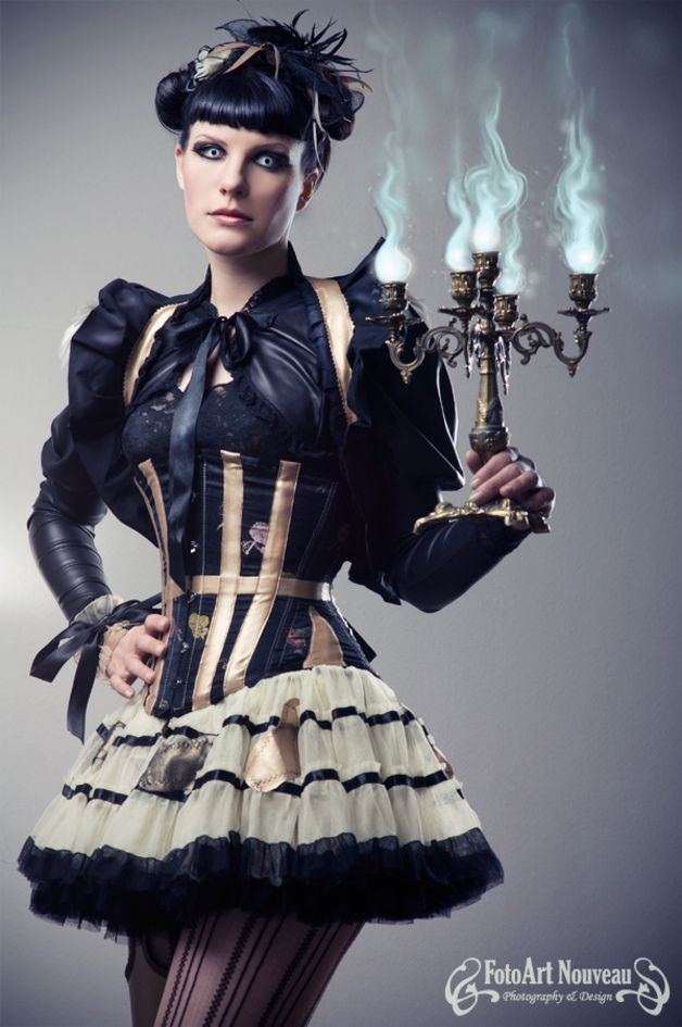 Steampunk-Mode - Asian Gold Korsett Seide Anfertigung Unikat - ein Designerstück von MorgaineLaChatte bei DaWanda